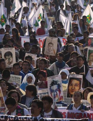 Mexico fastsl�r at de 43 studentene ble myrdet