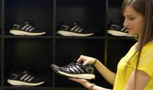 Adidas i tr�bbel: -Det som var riktig for 12 �r siden, er plutselig galt