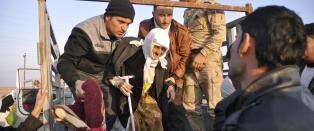 IS etterlot eldre og svake fanger langs veien. S� slo de til mot oljebyen