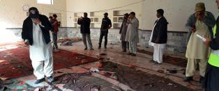 Minst 35 drept etter terrorangrep mot mosk� i Pakistan