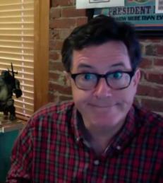 Se Jimmy Fallon og Stephen Colbert gi kj�rlighetstips til ten�ringsjenter