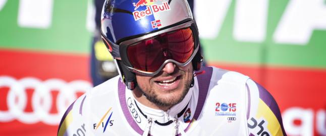 Landslagstreneren tror sesongen til Lund Svindal er over: - Han risikerer mye