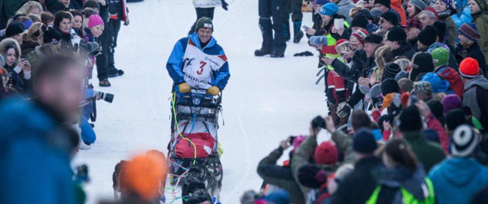Femundl�pet: Lars Monsen m�tte s�ke ly i vindsekken