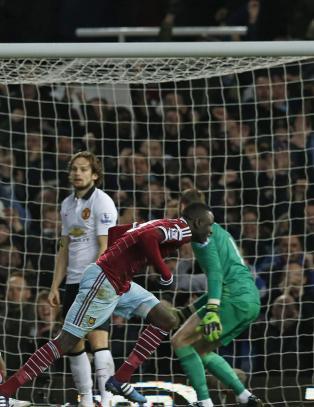Her tror Kouyat� at han har senket United med sin sjeldne triksescoring