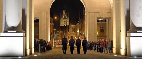 I Ypres hedres 54 000 falne uten gravsted fra f�rste verdenskrig hver eneste kveld