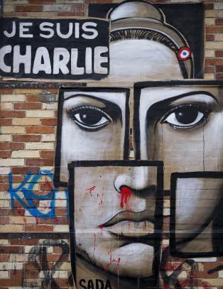 Charlie er med i bunken av de beste Dagblad-diktene