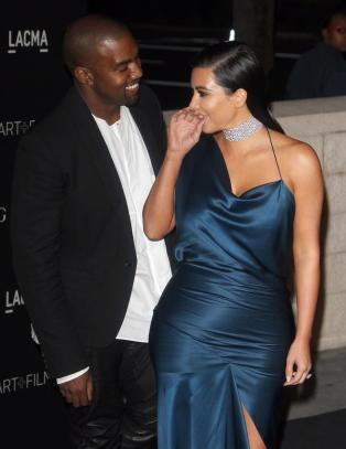 - Venner snudde ryggen til meg da jeg begynte � date Kim