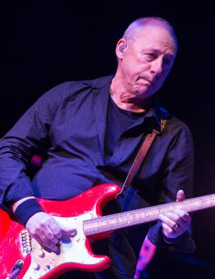Er Knopfler mer relevant som gitarhelt enn noen gang?
