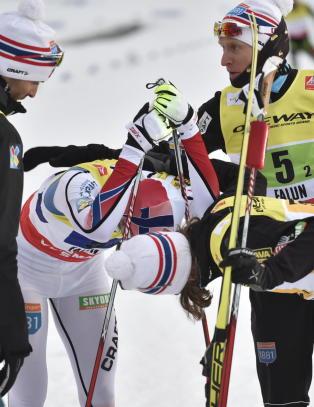 OL-kongen skuffet: - Det er ikke hans feil at vi ikke vinner. Vi m� tr�ste ham
