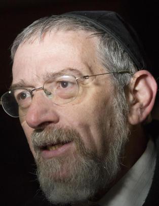 Han vil vaksinere ungdom mot antisemittisme