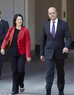 Hun slapp nyheten om at Reinfeldt skulle separeres - n� har de innledet et forhold