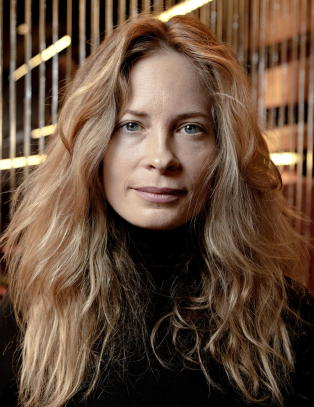 Maria Bonnevie avlyser teateroppsetning