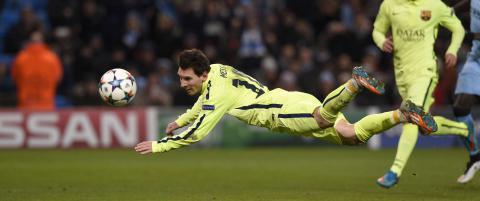 Her fors�ker Messi desperat � stupheade straffe-returen