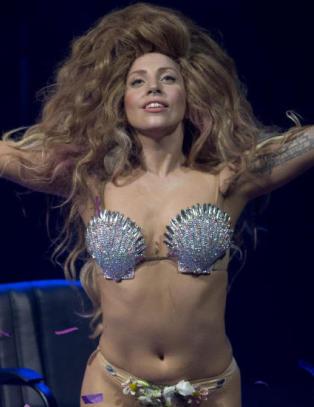 Fox-anker tatt av lufta etter rasistisk kommentar mot Lady Gaga