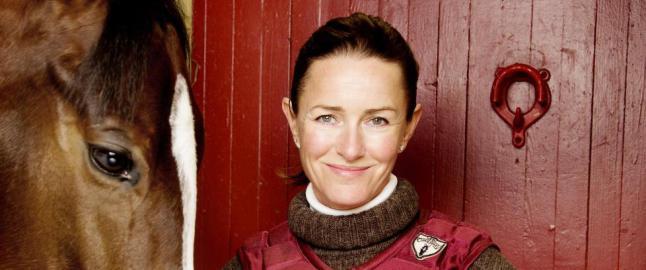Hun er kj�resten til John Fredriksen - og en av Norges dyktigste galopptrenere