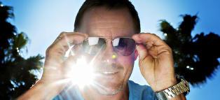 Brattbakk forklarer hvorfor piloter bruker pilotbriller