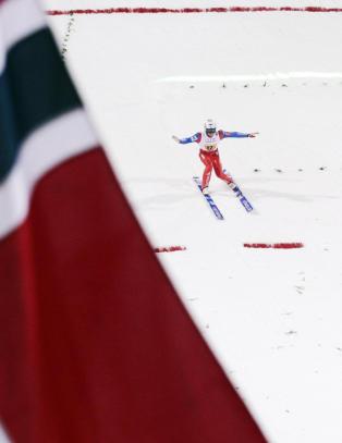 Norsk dr�mmestart: I rute til f�rste VM-gull i laghopp siden 1993
