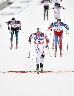 Northug spurtet konkurrentene i senk og ble VM-konge