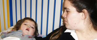Michaela (9) d�dssyk av meslinger - flere barn kan lide samme skjebne