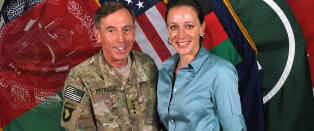 Tidligere CIA-sjef innr�mmer lekkasje til sin elskerinne