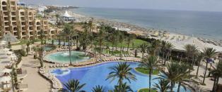 300 soldager lokker igjen europeiske turister til Tunisia, men nordmenn sitter fortsatt p� gjerdet