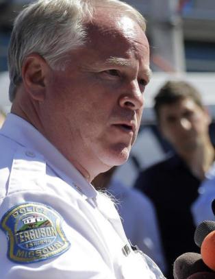 Politimesteren i Ferguson trekker seg