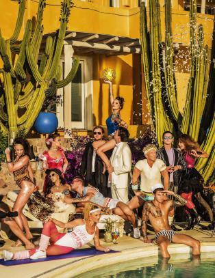 Paradise Hotel: Episode 4