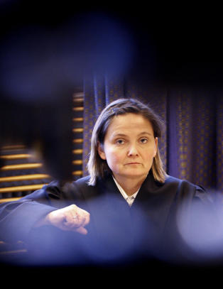 25-�ring d�mt til seks �rs fengsel for � ha blandet abortmiddel i eks-kj�restens drikk