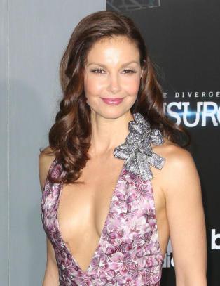 Ashley Judd anmelder Twitter-brukere som sender trakasserende meldinger