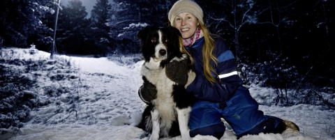 Dorthe Skappel s�rger over sin d�de hund