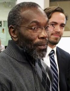 Ricky satt 39 �r i fengsel uskyldig d�mt. N� f�r han 1 million dollar i erstatning