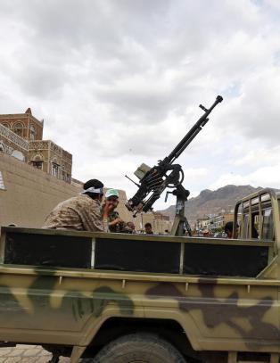 Flyangrep n�r presidentpalasset i Jemens hovedstad