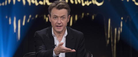 I rollen som hissig aktorat fant vi den ellers s� j�ttetrevliga Fredrik Skavlan