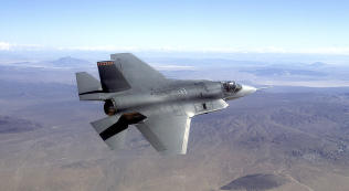 Nye kampfly kan bli 14 milliarder kroner dyrere