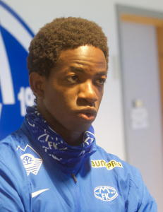Bakenga p� krykker etter skade i Molde-debuten