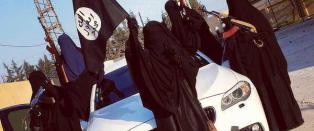 I terrorgruppas �hovedstad�: Folk t�r ikke t�rke svarte kl�r p� taket, f�r ikke forlate byen og kontrolleres av kvinnelig moralpoliti