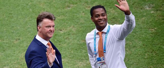 I sommer var han van Gaals h�yre h�nd. N� har Kluivert satset alt for � f� Curacao til VM