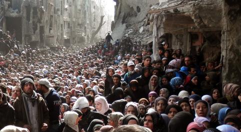 IS inntar palestinsk flyktningleir