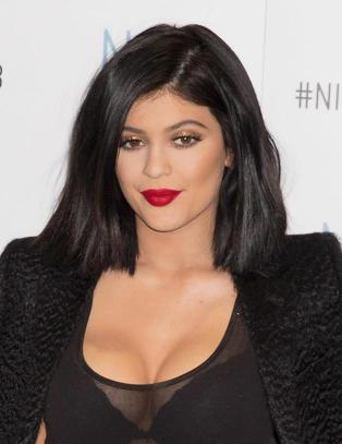 Kylie Jenner sl�r tilbake mot bildebr�k