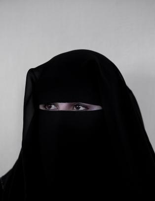 Noura (17) ble solgt av foreldrene sine to ganger