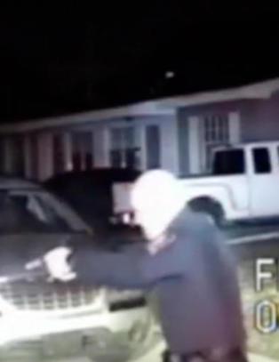 Moren ringte for � f� hjelp med sin psykotiske s�nn - politiet skj�t ham