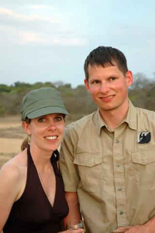 EVENTYRLYSTNE: Joy og Brent Soheil avslutter ferien sin med en natt p� Pezulu.