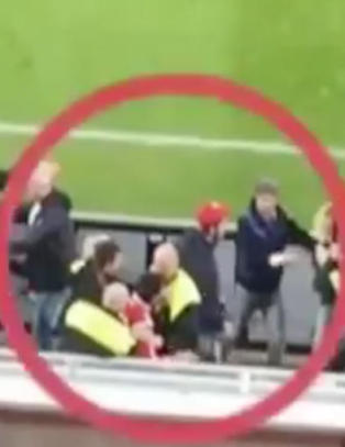 Her havner Leverkusen-stjerna i sl�sskamp med vakter fra sin egen klubb