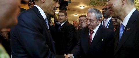 Obama og Castro h�ndhilste