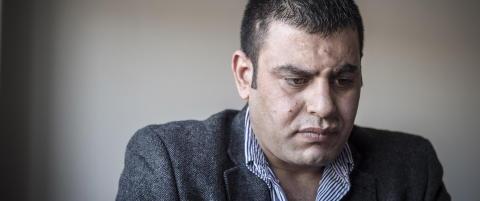 Syrisk etterretningsoffiser har sultestreiket i fire dager i Troms. - Enten finnes det en l�sning, eller s� d�r jeg her