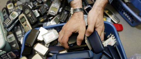 Nordmenn kaster mest elektronisk avfall i verden