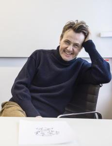 Fredrik Skavlan m�ter selv i Kringkastingsr�det