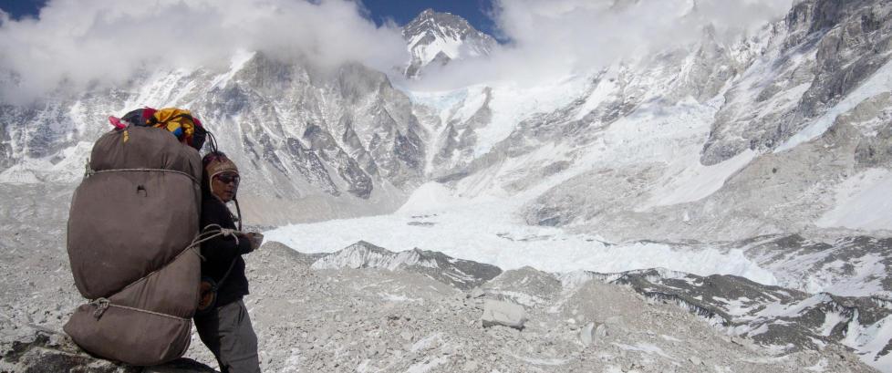 For et �r siden d�de 16 p� Mount Everest. N� er sherpaene klare for ny klatresesong