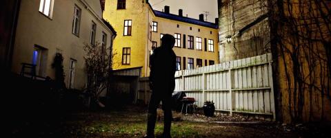 - Terskelen for at ofre for menneskehandel skal f� opphold i Norge er for h�y