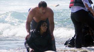 Antonis reddet 20 opp fra havet. N� hylles han som helt